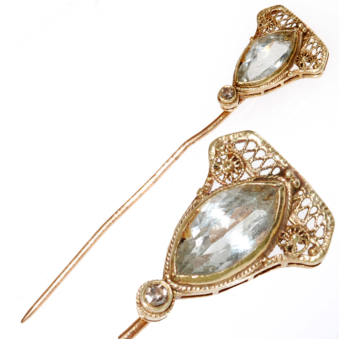 Gold Stick Pin with Aquamarine Jewel - Pin with Close Up