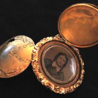 9k Victorian 1880-1890s Tin Type Locket - Fully Open 03-1014